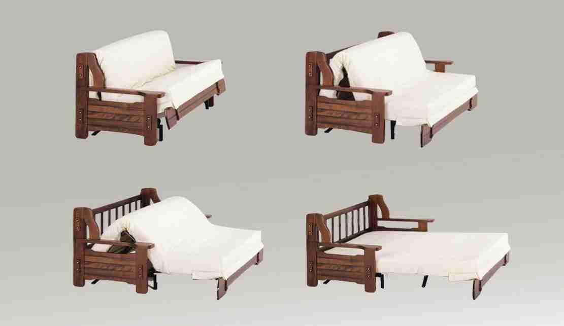 Divano letto rustico. comodità di utilizzo e struttura in legno massello