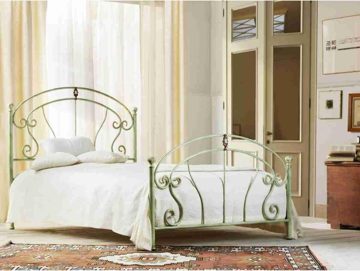 Singolo letto ferro battuto modello Mistral prodotto da Cosatto